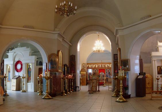 Космы и Дамиана бессребр. (Христа Спасителя, исцелившего расслабленного) на Маросейке (внутреннее убранство храма)