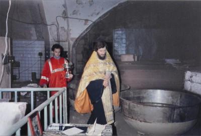 14 ноября 1992 года настоятель архимандрит Дионисий с небольшой группой верующих и инокинь из Московской Патриархии совершил молебен