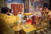Служение литургии в храме Покрова