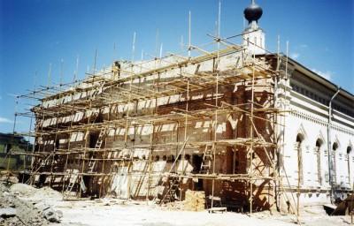 В июне 1999 года началась реставрация западной стены храма